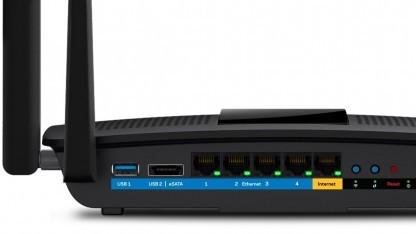 Linksys' EA8500 beherrscht 4x4:4-WLAN entsprechend IEEE 802.11ac.