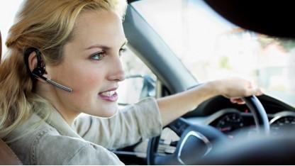 Headsets  sind in Frankreich beim Autofahren verboten