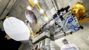 Tests am Eutelsat SAT 8 West B Satellit