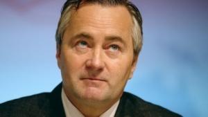 Blick nach oben: Telekom-Austria-Chef Hannes Ametsreiter