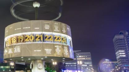 Die Weltzeituhr am Berliner Alexanderplatz