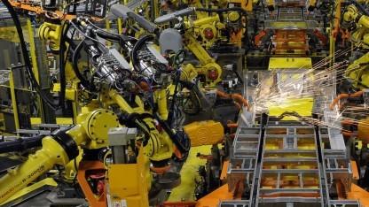 Roboter in der Autoproduktion bei Ford (Symbolbild): Die Bereiche der Roboter und der Menschen sind streng getrennt.