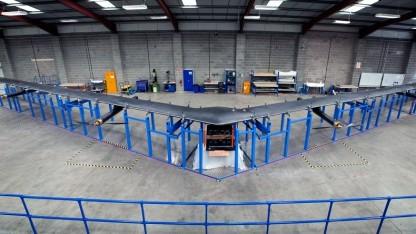 Bild zu «Facebook stellt Aquila-Drohne mit Spannweite einer Boeing 737 vor»