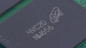 NAND-Flash-Chip von Micron in einer Crucial-SSD