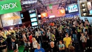 Besucher auf der Gamescom 2014