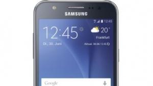 Galaxy J5 ist eine dirrekte Konkurrenz zum Moto G der dritten Generation.