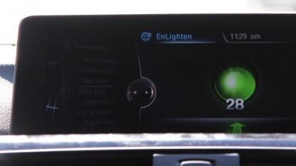 Die Enlighten-App im Infotainment-Display