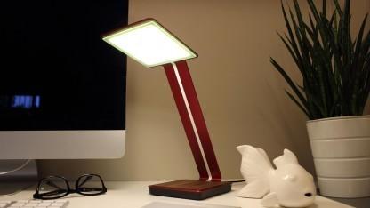 induktion oled schreibtischlampe l dt smartphone auf. Black Bedroom Furniture Sets. Home Design Ideas