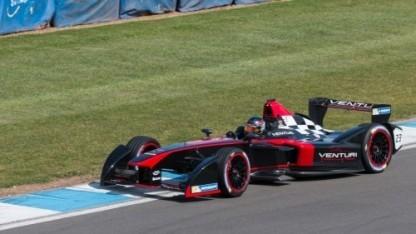 Formel-E-Bolide von Venturi (bei einem Test in Donington Park 2014): Jacques Villeneuve ersetzt Nick Heidfeld.