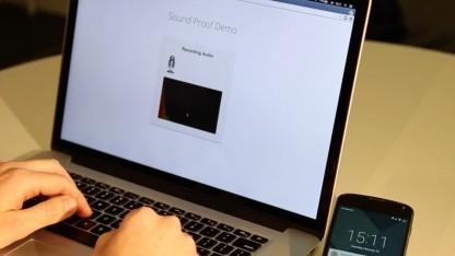 Sound-Proof funktioniert über das Mikrofon des Smartphones und des Desktoprechners.