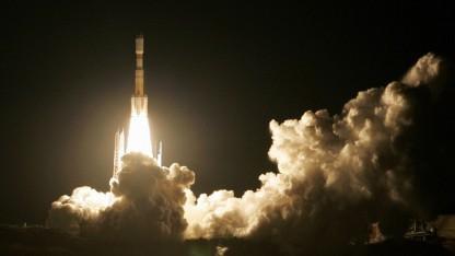 Eine Rakete vom Typ H-IIB startet in Japan.