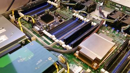 Software Development Platform mit Xeon E5 v3 mit Stratix-FPGA