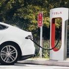 Elektroauto: Tesla verlangt Parkgebühren bei Supercharger-Blockierung