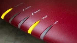 WLAN-Router werden manchmal nur mit werkseitig vom Routerhersteller gesetzten Standardkombinationen geschützt.