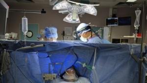Technik in Krankenhäusern könnte anfällig für Hacker-Attacken sein.