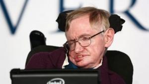 Stephen Hawking (bei der Premiere des Films Die Entdeckung der Unendlichkeit, 2014): neue Schnittstellen, neue Sensoreingaben, neue Funktionen
