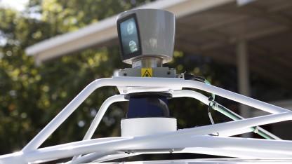 Ein Laserscanner auf dem Dach eines Google-Testwagens