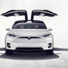 Model X: Teslas Falkentüren sind flügellahm