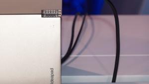Lenovos Ideapad Miix 700 setzt auf eine Konstruktion, die viele von Microsoft kennen.