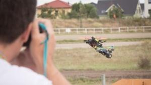Beim ersten Berliner Drohnenrennen Drone Masters