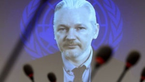 Julian Assange könnte per Videokonferenz vom Ausschuss vernommen werden.
