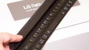 LGs Rolly Keyboard kann zu einem Stab zusammengefaltet werden.