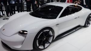 Porsche Mission E: 500 Kilometer Reichweite bei sportlicher Fahrweise