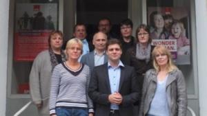Florian Wahl mit den IBM-Programmierern