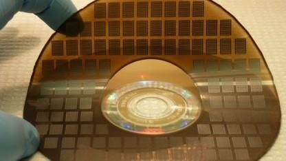 Superkondensatoren aus dem DVD-Brenner: Kunststoff als elastisches Trägermaterial
