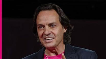 T-Mobile-USA-Chef John Legere entschuldigt sich bei den Kunden für das Datenleck.
