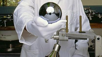 Eine der Siliziumkugeln des Avogadroprojekts