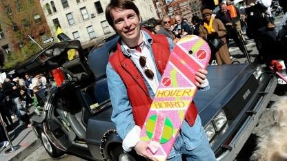 Marty McFly (dargestellt von Matt Bell beim Tribeca Film Festival 2015): Ford Fiesta mit Fluxkompensator