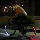 Revolights Eclipse: Leuchtende Fahrradreifen blinken in die Abbiegerichtung