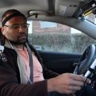 Sprachassistent: Siri lenkt Autofahrer stärker ab als Google Now