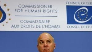 Menschenrechtskommissar Nils Muizniek kritisiert die deutsche Geheimdienstkontrolle.
