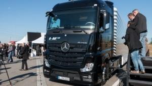 Teilautomatisierter Mercedes Actros: Testgelände für autonomes und teilautonomes Fahren