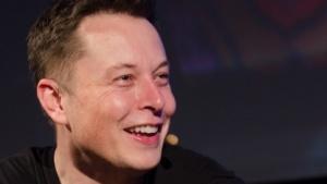 Elon Musk glaubt an Apples Auto.