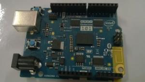 Intel stellt den Arduino 101 auf der Maker Faire Rom 2015 bereits aus.
