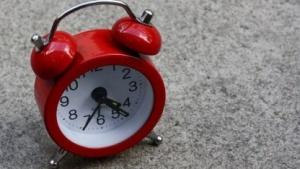 Neue Angriffe auf das Protokoll zum Setzen der Systemzeit zeigen, wie notwendig eine Authentifizierung für NTP-Antworten ist.