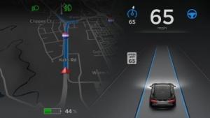 Das elektronische Armaturenbrett des Tesla S mit Autopilot-Funktion