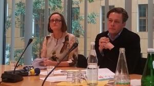 Martina Renner und Konstantin von Notz bei der Pressekonferenz