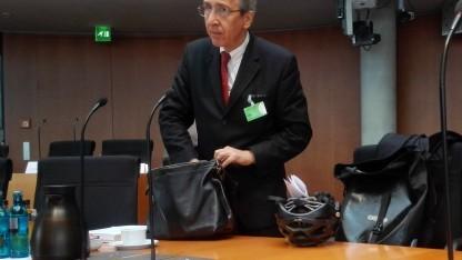 Der frühere Bundesrichter Kurt Graulich vor dem NSA-Ausschuss des Bundestags