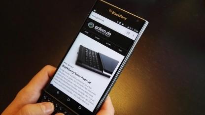 Das Priv ist Blackberrys erstes Android-Smartphone und kommt mit ausziehbarer Tastatur.