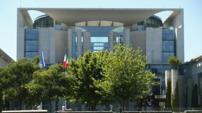 Eine Mitarbeiterin des Bundeskanzleramts kritisierte nur scheinbar die Aktivitäten des BND.