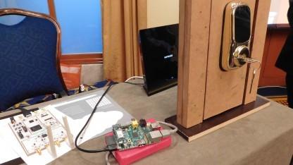 Ein smartes Türschloss der Marke Yale reagiert auch auf Befehle von Hackern.