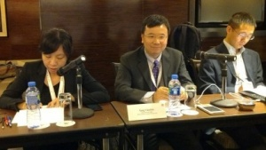 Yang Chaobin (mitte), Vice President Wireless Network bei Huawei Technologies