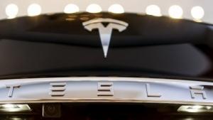 "Tesla: ""Aufkömmlinge"", findet der Ex-Daimler-Chef Edzard Reuter."