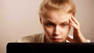 Jugendliche Onlinenutzerin