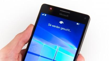 Bisher ist Windows 10 Mobile noch nicht als offizielles Update verfügbar, aber auf Neugeräten wie dem Lumia 950 XL.