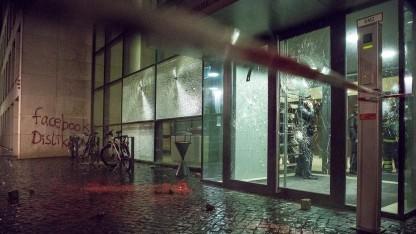 Büro von Facebook nach dem Anschlag
